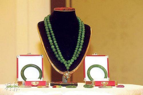 慈禧朝珠起拍价1.8亿元 揭秘慈禧太后惊人陪葬品