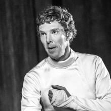哪一版哈姆雷特更吸引你《哈姆雷特》作为莎士比亚最具代表性的悲剧作品,几百年来在全世界话剧舞台上长演不衰...