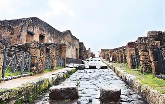 """考古发掘 让庞贝古城""""死而复生"""""""