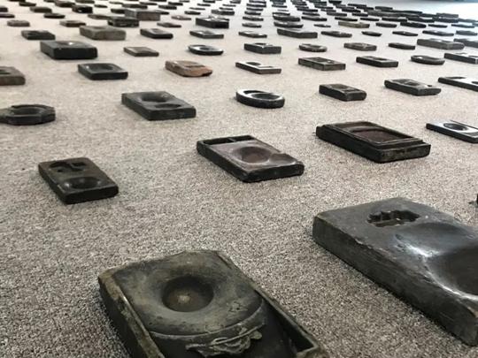 林����代雕塑作品展今日�_幕:�⒎窒挛�龊鸵��
