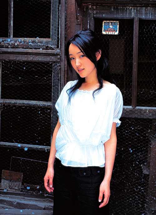 杨钰莹公开与赖文峰恋情:那是很快乐的岁月图