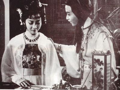 张国荣 黄杏秀/1977电影《红楼春上春》,张国荣黄杏秀版。