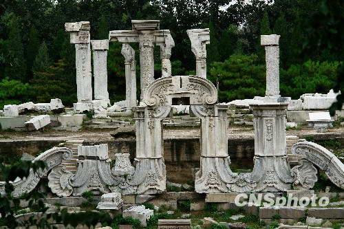 外国古迹雕像遗址